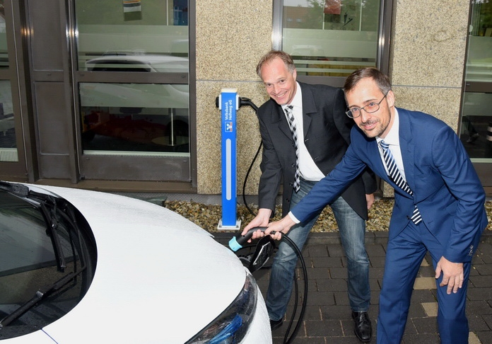 E-Ladesäule Volksbank - Kooperation mit den Stadtwerken Soest